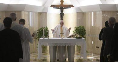 El Papa: Saber acusarnos ante Dios nos libra de la hipocresía