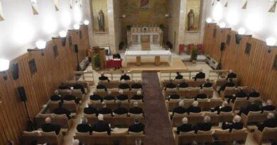 El Papa invita a la Curia a vivir los ejercicios de Cuaresma de manera personal