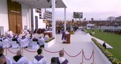 El Papa en Erbil: La Iglesia en Iraq está viva y anuncia la sabiduría de la cruz