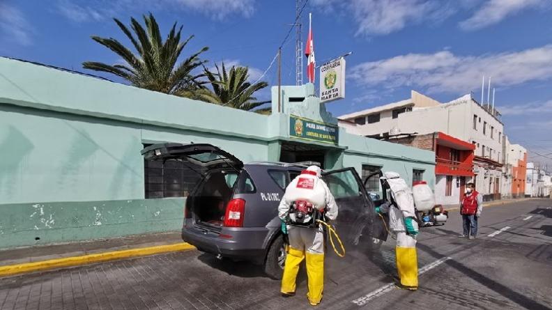 Fumigan comisarías de Arequipa
