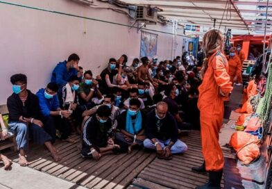 Italia permite a 180 migrantes del 'Ocean Viking' desembarcar en Sicilia
